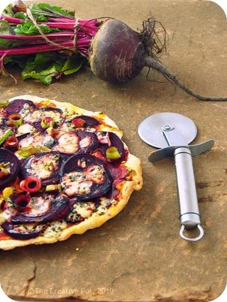 Beetroot & Blue Cheese Pizza d-w_picnik