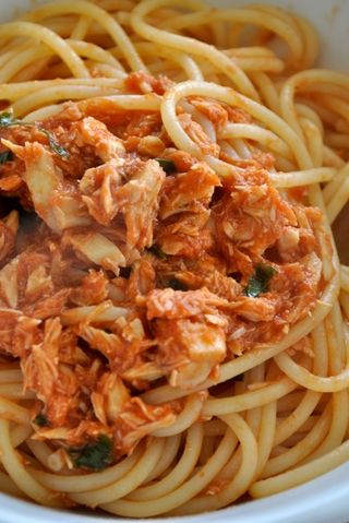 spaghetti with tuna sauce / spaghetti col tonno