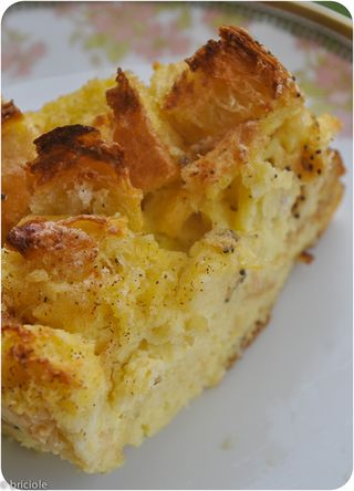 Vanilla bean bread pudding