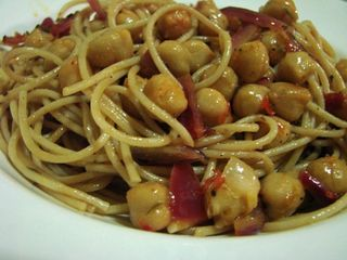 Pasta Chickpeas Onions and Oregano 1-1