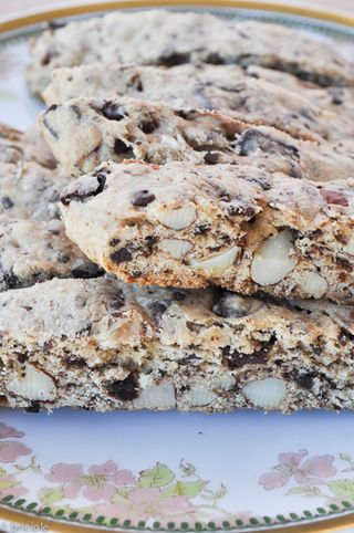 almond and chocolate biscotti