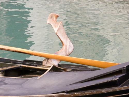 P1010303 / forcola / gondola's oarlock