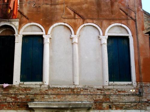 Venice: windows