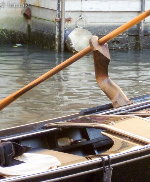 P1010250 / forcola / gondola's oarlock