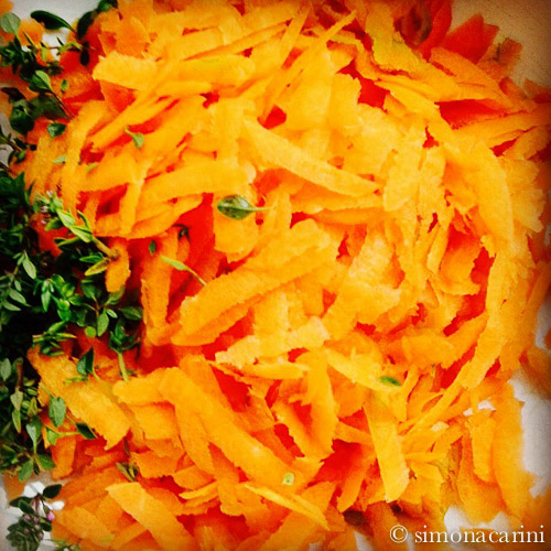 grated carrots and thyme / IMG_3157