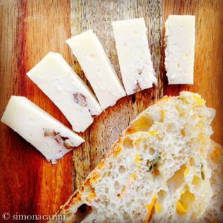 carrot sourdough bread / IMG_3108