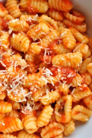 gnocchetti sardi al sugo / Sardinian gnocchi with tomato sauce