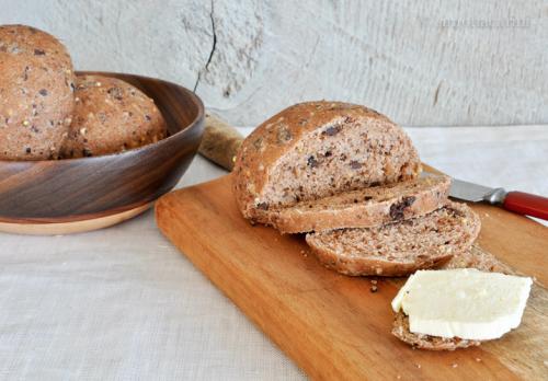 chocolate and walnut whole-wheat dinner rolls / DSC_8328