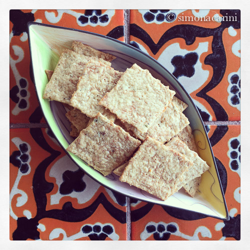 sourdough whole-wheat cheese crackers / IMG_1224