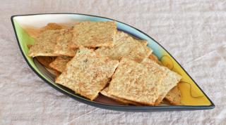 sourdough whole-wheat cheese crackers