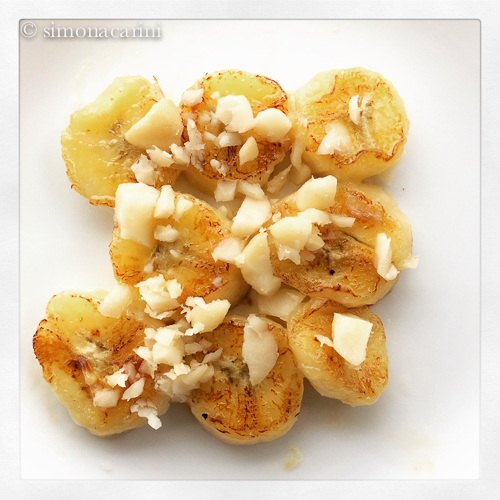 apple banana and macadamia nuts