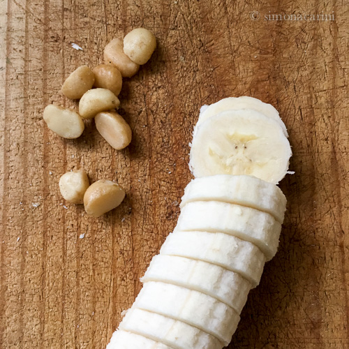 banana and macadamia nuts