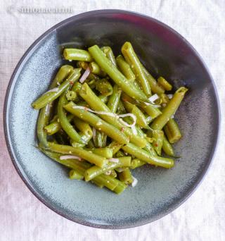 green bean and torpedo onion salad