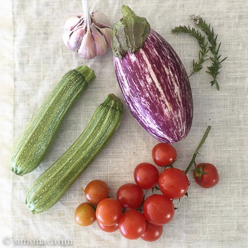 eggplant zucchini tomatoes garlic / IMG_3401